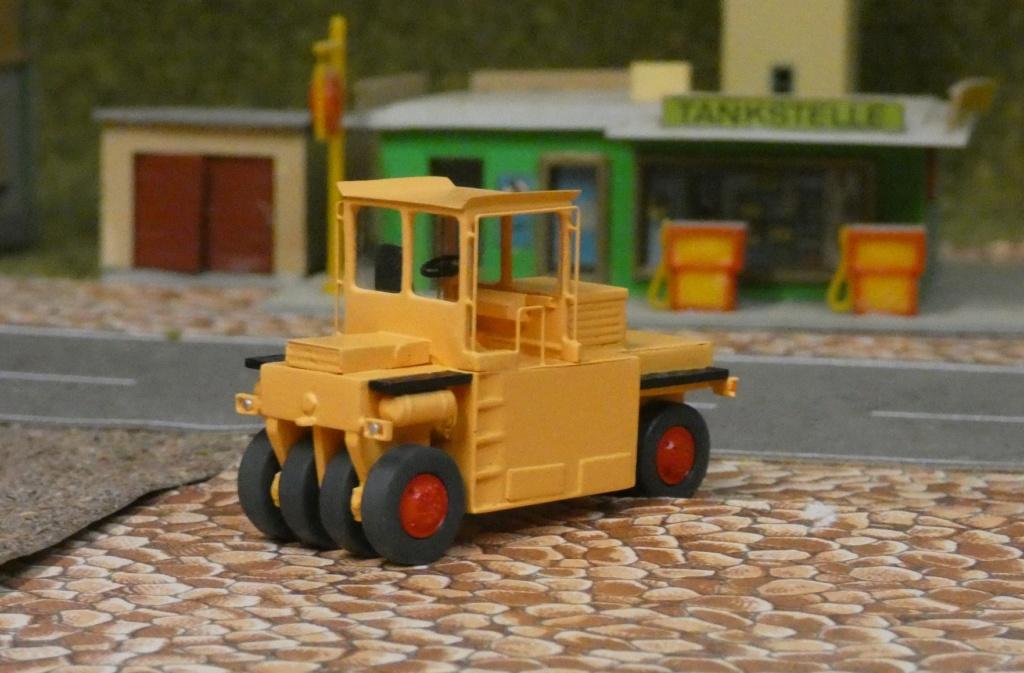 Straßen-Gummirad-Walze G 16(SGW 16) 0710
