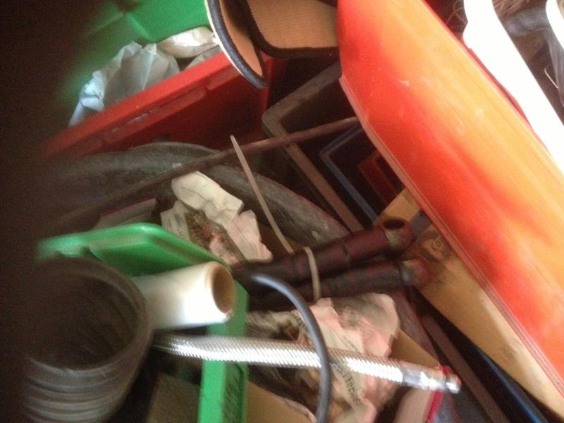 Vendo coppia tubi del radiatore dell olio perfetti ed originali 00413