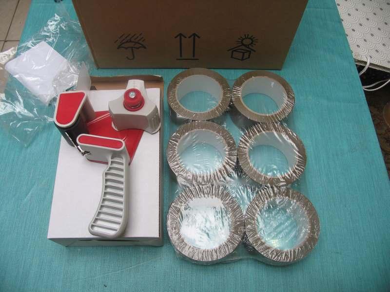 rouleaux d'adhesif pour emballage + dévidoir Img_1710