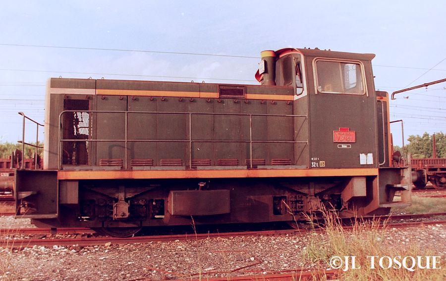 Y7100 : Locotracteur ancien Y-710012