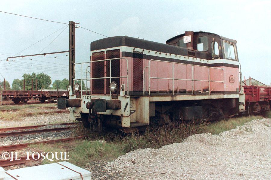 Y7400 : Locotracteur ancien Y-740017