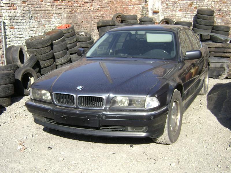 Mon autre: BMW 730i Fjordgrau de 1995 - Page 2 Dsc00010