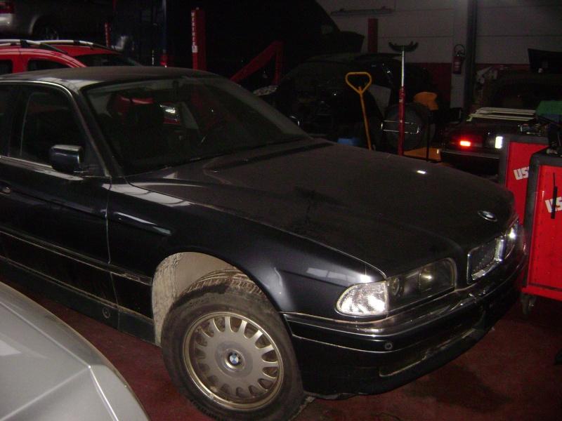 Mon autre: BMW 730i Fjordgrau de 1995 Dsc00413