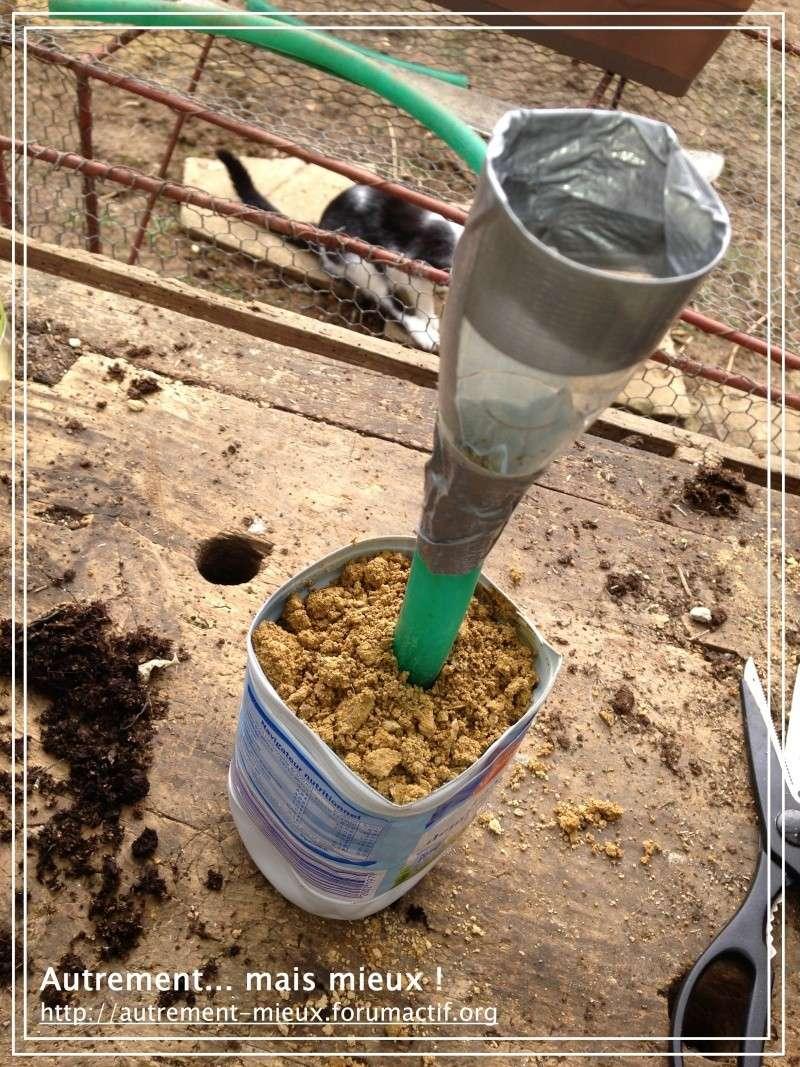"""Un pot """"à réserve d'eau"""" à partir de n'importe quel pot Img_0629"""