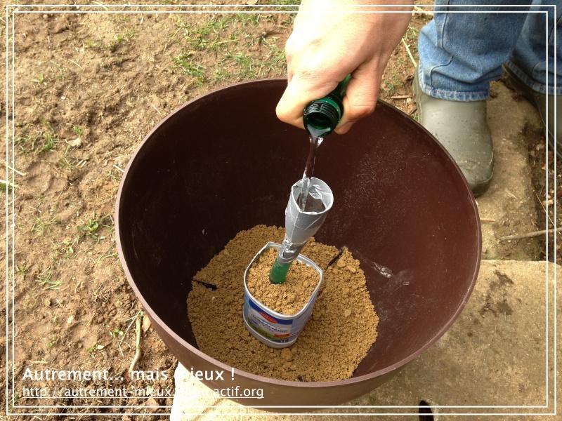 """Un pot """"à réserve d'eau"""" à partir de n'importe quel pot Img_0631"""