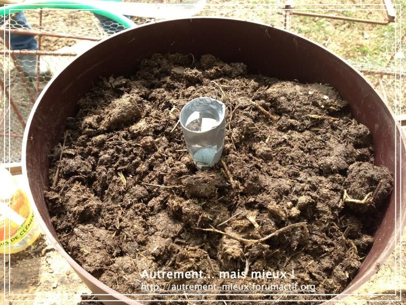 """Un pot """"à réserve d'eau"""" à partir de n'importe quel pot Img_0634"""