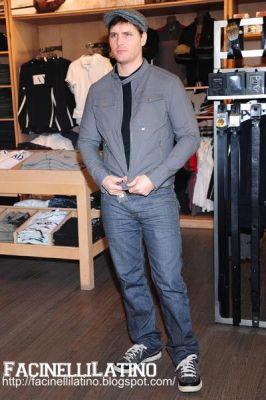 Peter # Armani Store Peter510