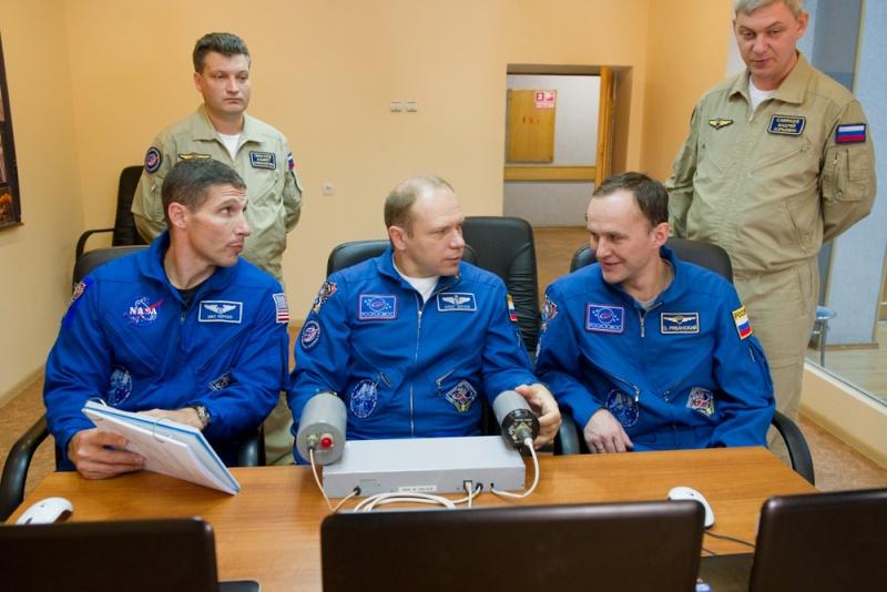 Lancement & fin de mission de Soyouz TMA-10M  - Page 2 Soyuz101