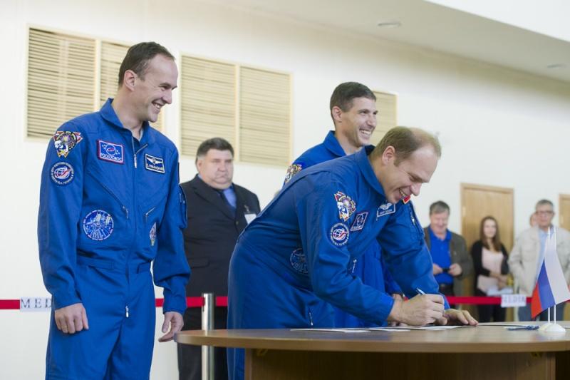 Lancement & fin de mission de Soyouz TMA-10M  Soyuz_23