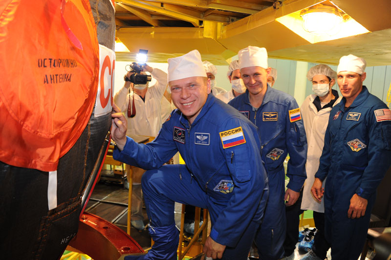 Lancement & fin de mission de Soyouz TMA-10M  Soyuz_63