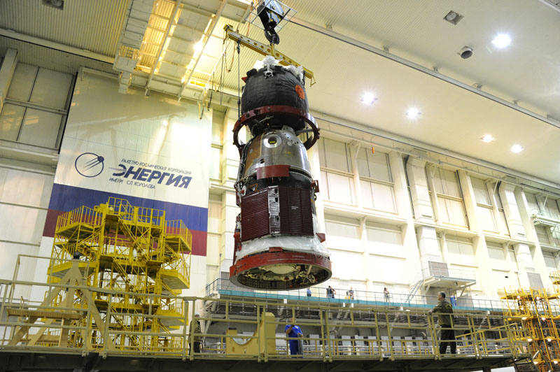 Lancement & fin de mission de Soyouz TMA-10M  - Page 2 Soyuz_79
