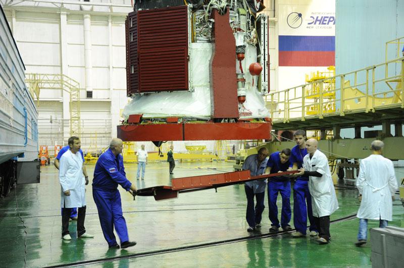 Lancement & fin de mission de Soyouz TMA-10M  - Page 2 Soyuz_80