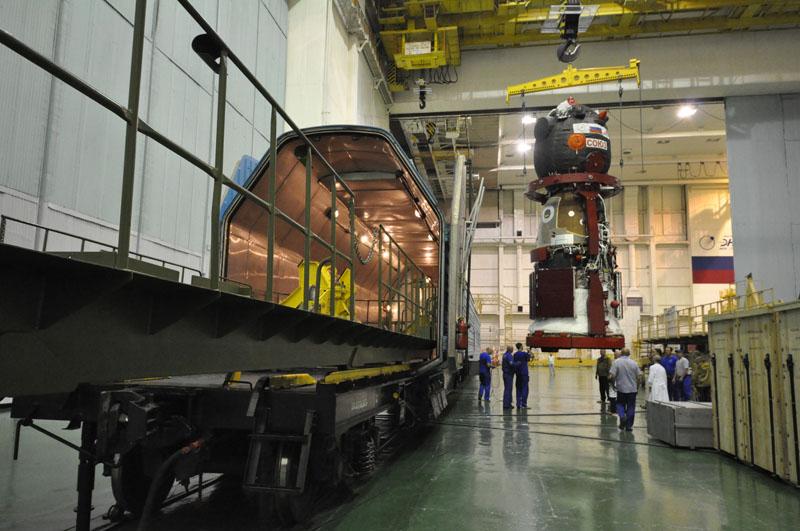 Lancement & fin de mission de Soyouz TMA-10M  - Page 2 Soyuz_81
