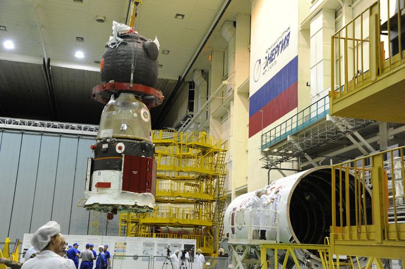 Lancement & fin de mission de Soyouz TMA-10M  - Page 2 Soyuz_83