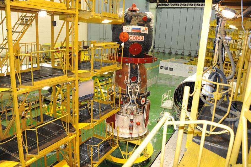 Lancement & fin de mission de Soyouz TMA-10M  - Page 2 Soyuz_87