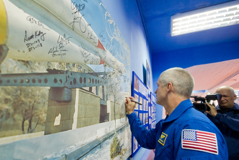 Lancement & fin de mission de Soyouz TMA-10M  - Page 2 Soyuz_93