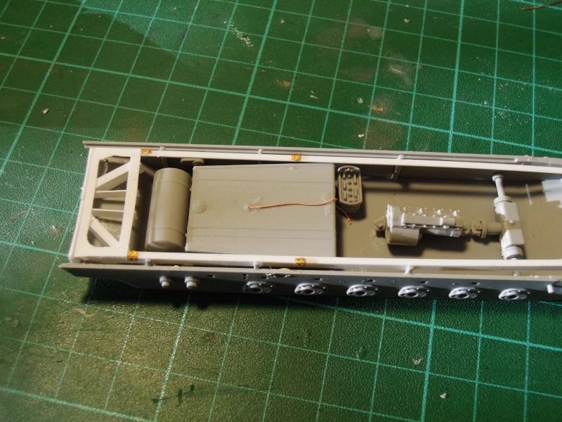 épave sdkfz 251 Dragon 1/35 Dscn5954