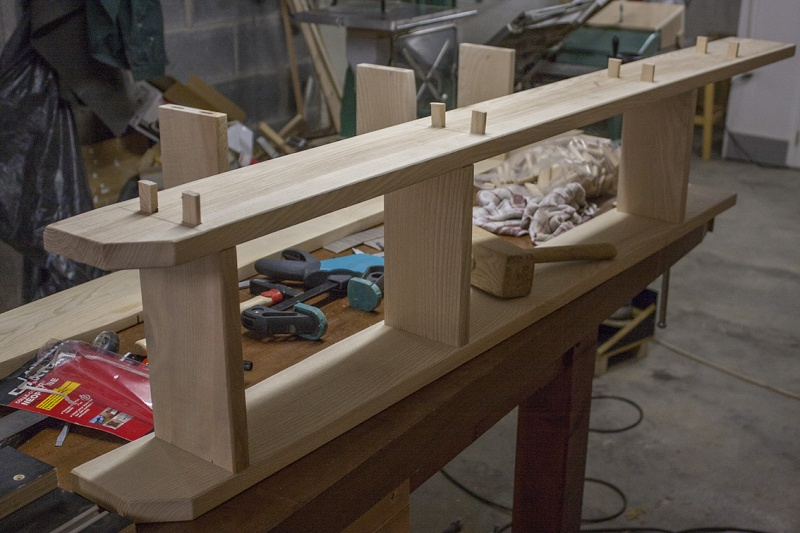 [Fabrication] Une modeste étagère en pignon. Montag10