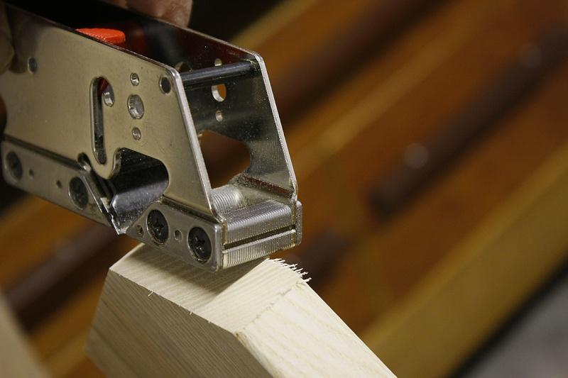 [Fabrication] Une modeste étagère en pignon. Rabot-10