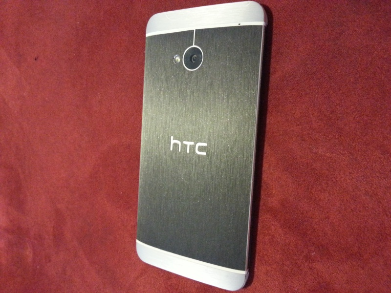 [PHOTOS] Stickers pour HTC ONE - Page 3 20130810