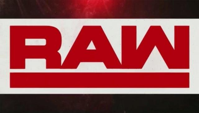 Une top star de RAW continue de lutter malgré deux blessures Raw-1-10