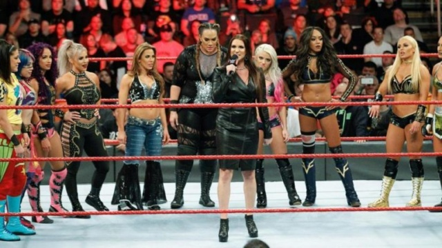 """La WWE envisagerait un Pay-Per-View """"Queen of the Ring"""" Wwe-wo10"""