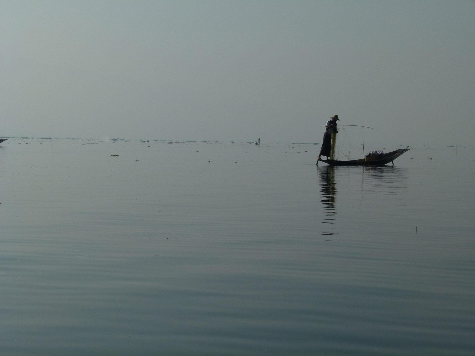 tjs sur le lac Inle et contre jour P1310710