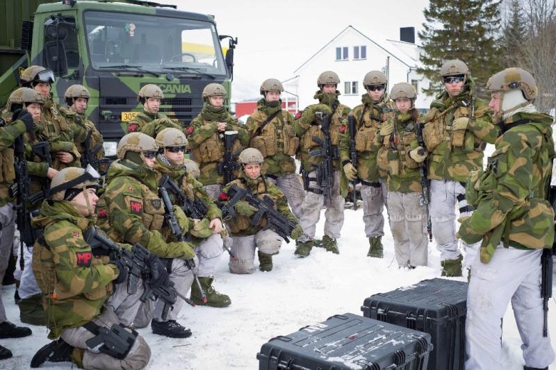 Armée norvegienne/Norwegian Armed Forces - Page 6 Norveg13