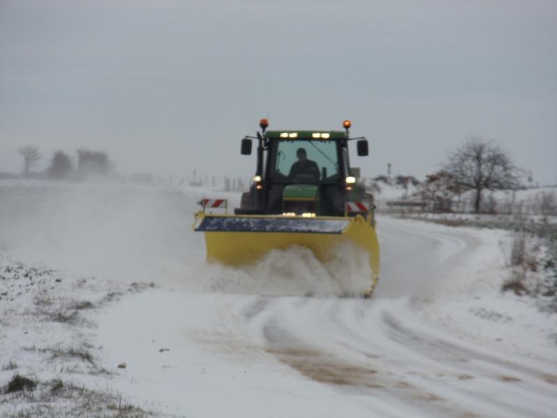 Photos de vos tracteurs - Page 3 Dsc01810