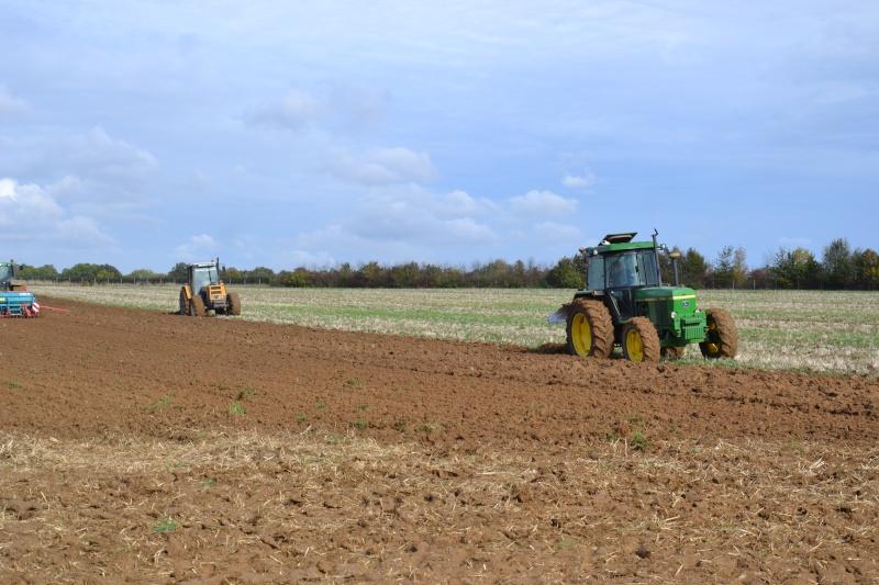 Photos de vos tracteurs - Page 3 Dsc_0010