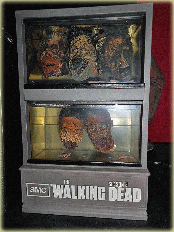 The Walking Dead : Topic Officiel des Editions - Page 6 Coffre11