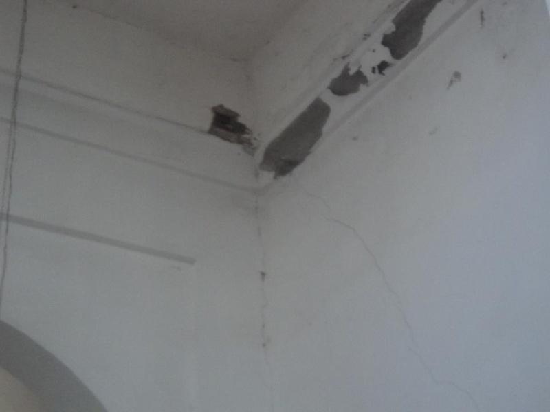 المسجد الأعظم يهدد بالانهيار فوق رؤوس مرتاديه في أي لحظة 48530410