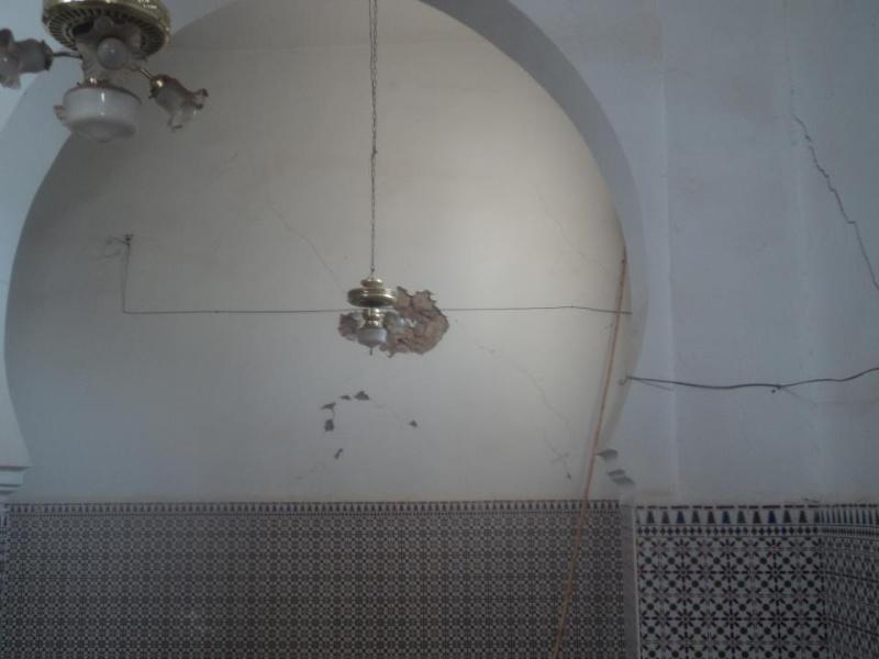 المسجد الأعظم يهدد بالانهيار فوق رؤوس مرتاديه في أي لحظة 55495810