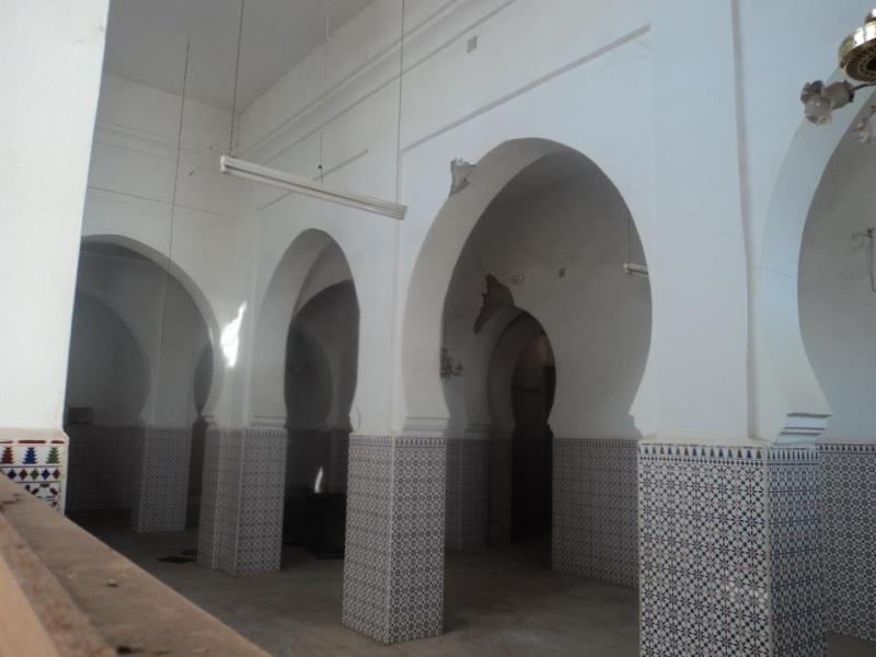 المسجد الأعظم يهدد بالانهيار فوق رؤوس مرتاديه في أي لحظة 62570610
