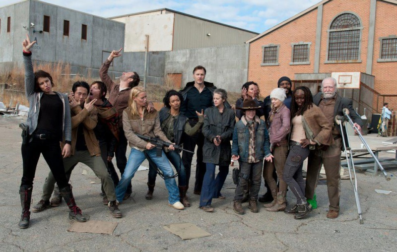 The Walking Dead - Page 12 39269410