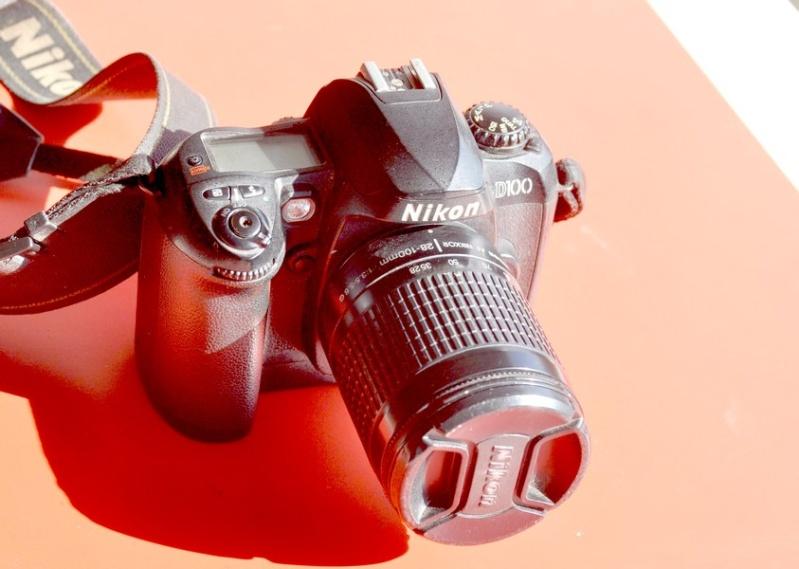 je vend mon Nikon d 100   Aa10
