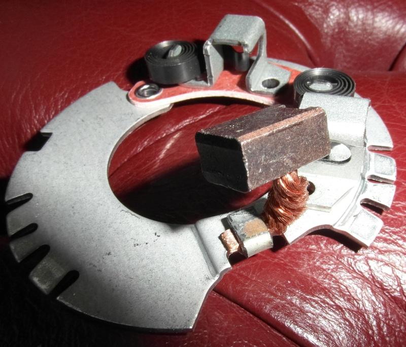 starter motor brushes Sam_0712