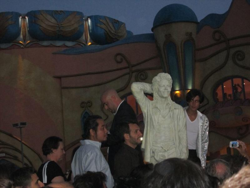 Evento Magicland - Inaugurazione prima statua dedicata a Michael in Italia - Pagina 5 Magicl23