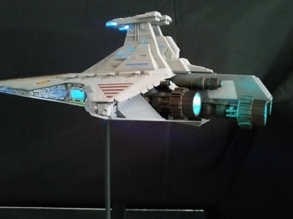Star Destroyer Venator Revell - Page 2 15889410