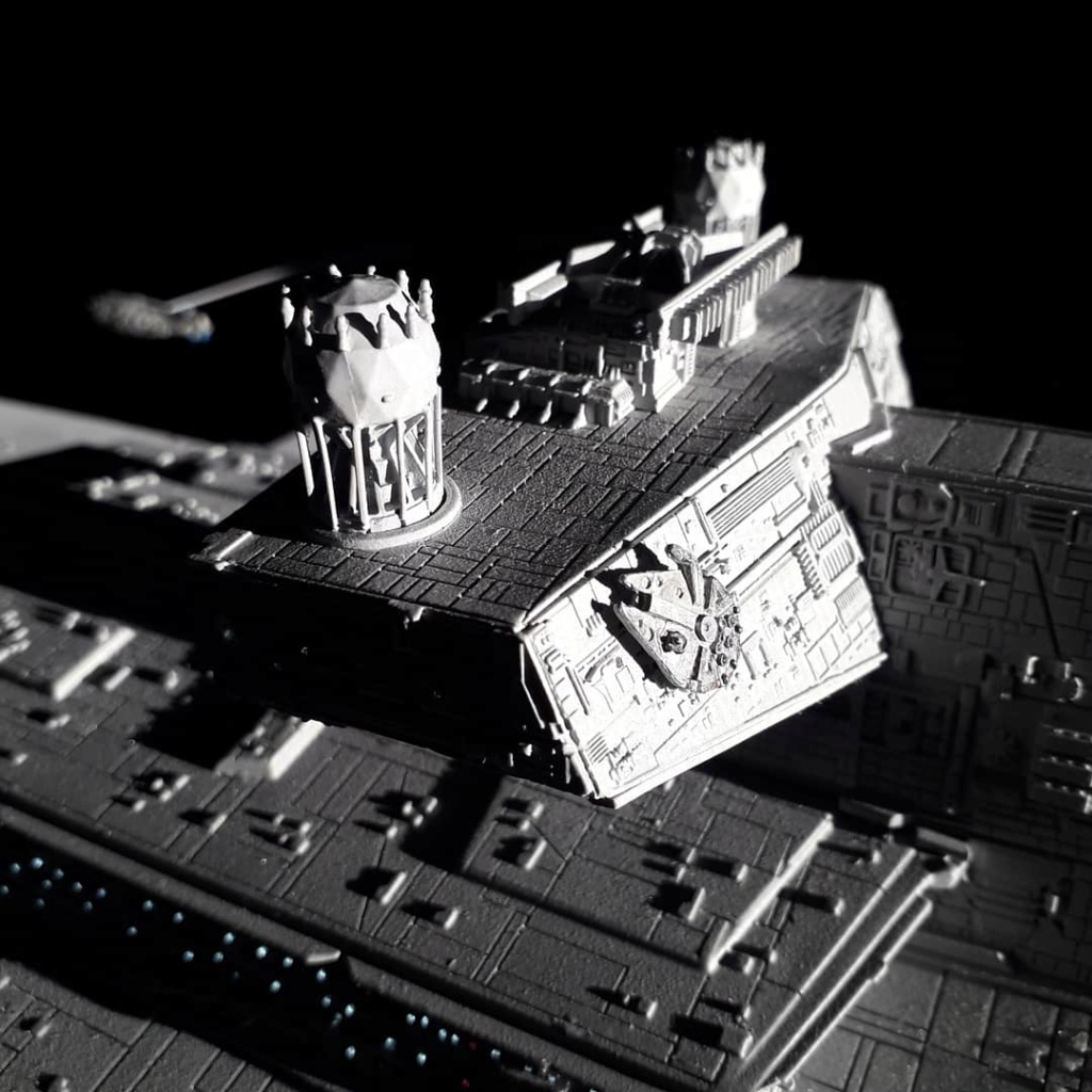 Imperial Star Destroyer Anigrand 1/2256 & ses greebies  Img_2013