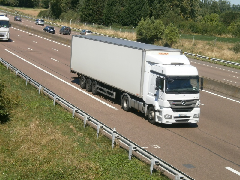 Mercedes Axor - Page 3 P8211224