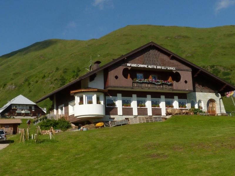 Du 13 au 19 juillet dans le Val di Fassa - Page 2 P1510610