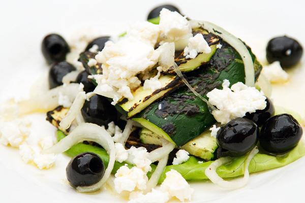 Salade grecque sur le barbecue Salade10