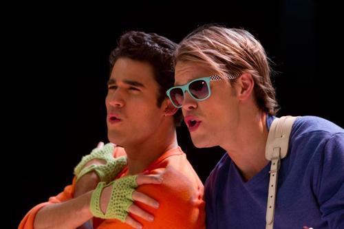Glee - Page 40 22163510