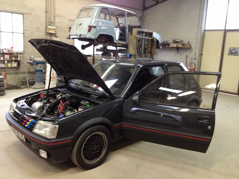 [Toby] 205 GTI 1.6L 115cv Gris Graphite 1991 - Page 3 Img_1417