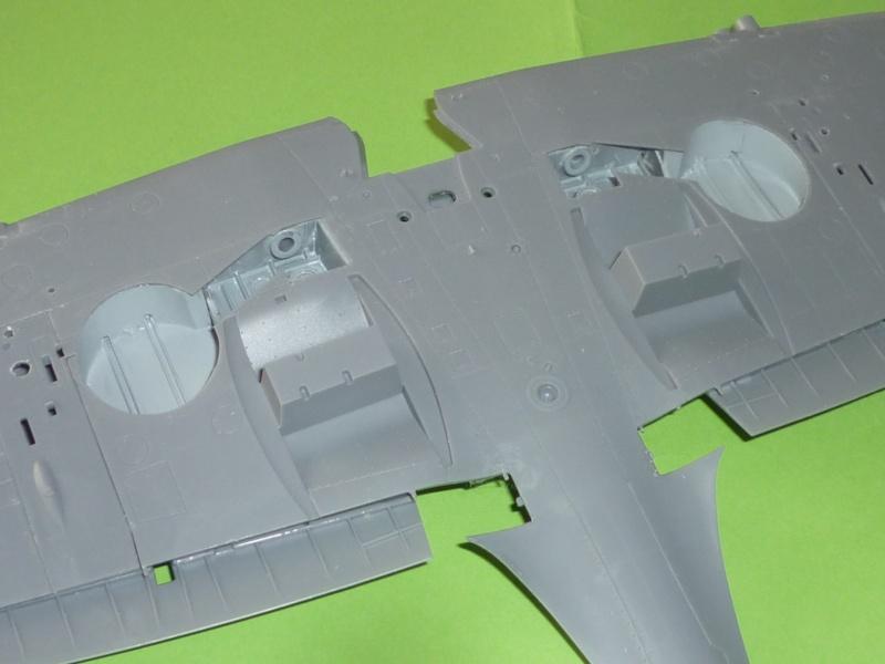 """Spitfire """"avion de légende"""" Spitfi11"""