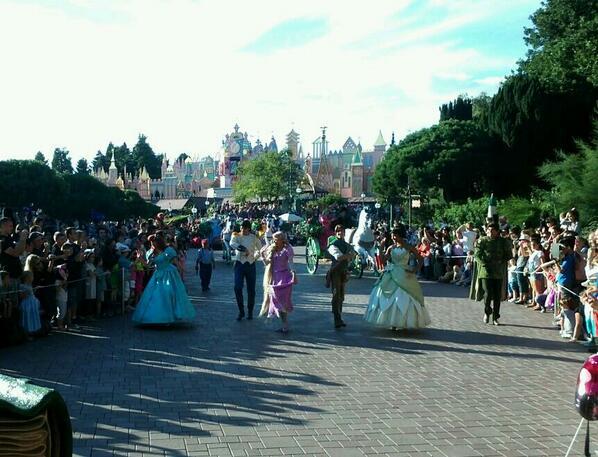 La Magie Disney en Parade ! (2012-2017) - Page 25 Brfhlw10