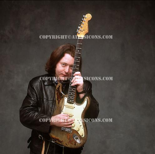 Fender Stratocaster 1961 - Page 9 Rory_912