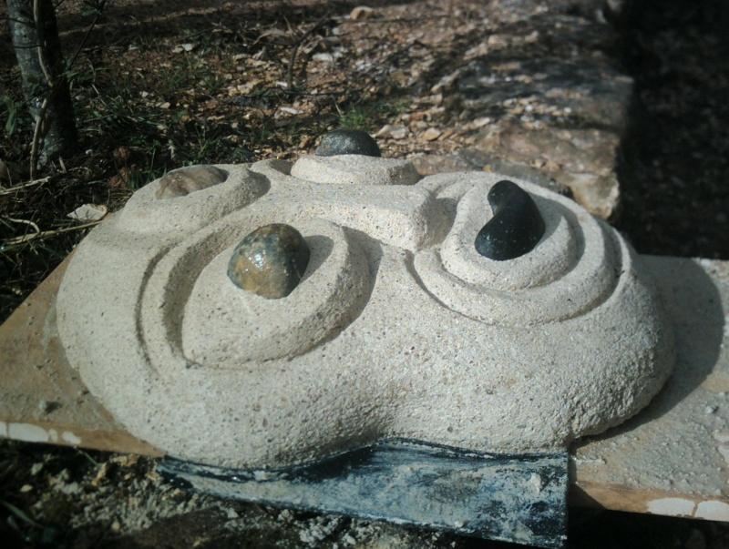 test sculpture masque chaux et galets Crim0031