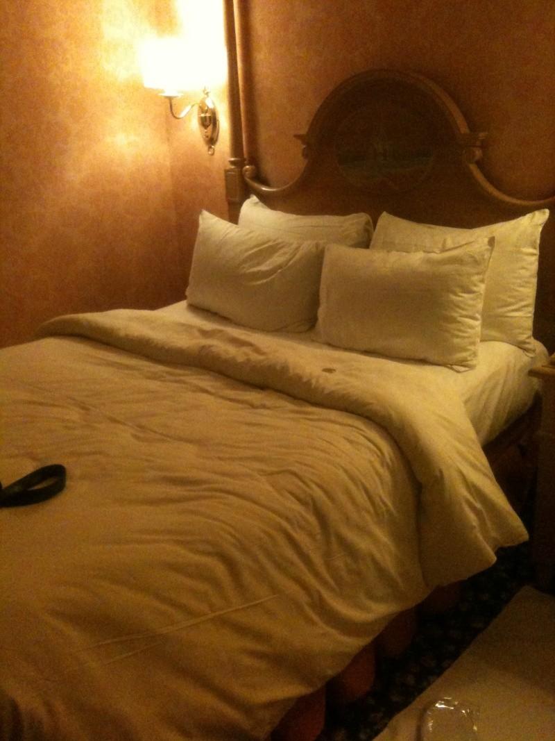 TR de notre séjour au Castle Club au disneyland hotel du 08/04 au 10/04/13   - Page 3 Img_2545